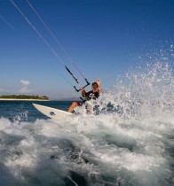 Waves-Kiting-Surfing-Fiji-Namotu